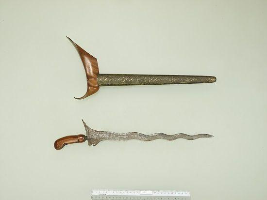 クリス インドネシア、ジャワ島東部 17~18世紀 J.C.ベイレフェルト氏寄贈  (展示期間:7月18日~10月14日)