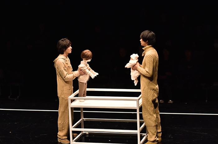 「はじめてのおとうと」安西慎太郎、小林且弥 (撮影:阿部章仁)