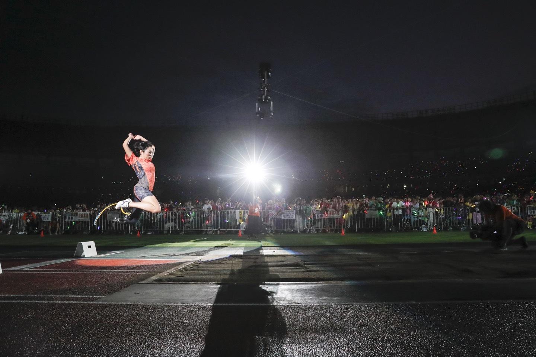 『ももクロ夏のバカ騒ぎ2017 -FIVE THE COLOR Road to 2020- 味の素スタジアム大会会場』1日目走り幅跳び Photo by HAJIME KAMIIISAKA+Z