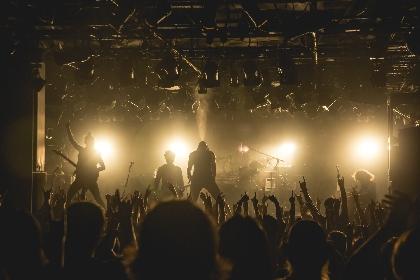 日本のメタルやラウドの未来ともいえるHER NAME IN BLOODのツアーファイナルは轟音と感動に満ちていた