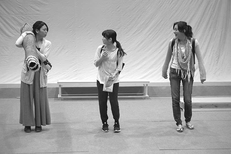 (左から)田畑智子、志田未来、鈴木杏(撮影:久家靖秀)