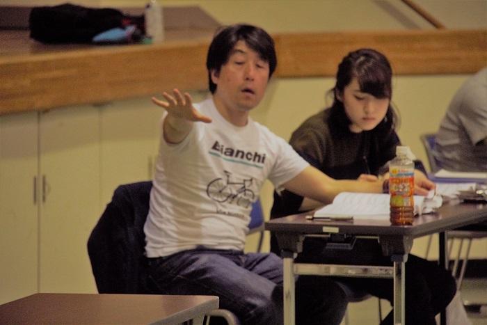 原作のファジーな部分をカバーするのは、井原広樹の的確な演出 (C)Isojima