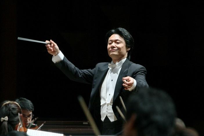 常任指揮者の寺岡清高は、ウィーン後期ロマン派の醍醐味を伝えてくれる。 (C)飯島隆