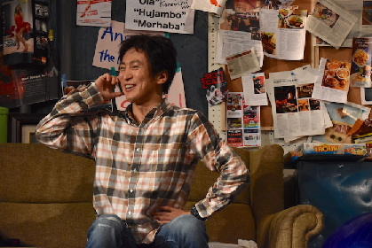成河が初の一人芝居で全38役に挑む! 舞台『フリー・コミティッド』ゲネプロレポート