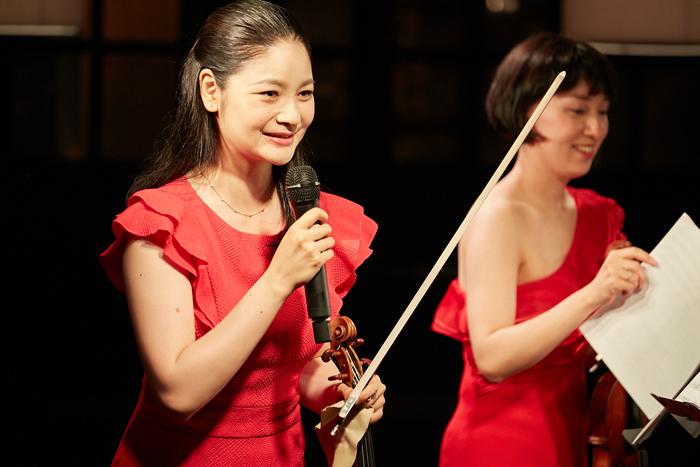 (左から)鈴木舞、伊藤亜美