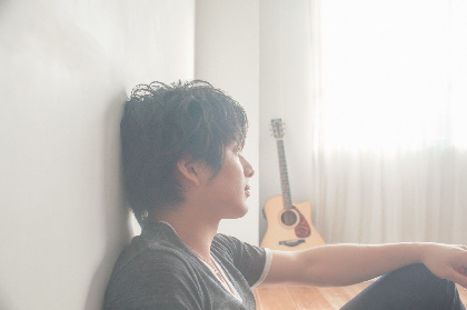 須澤紀信、9月に1stアルバム『半径50センチ』をリリース トレーラーも公開に