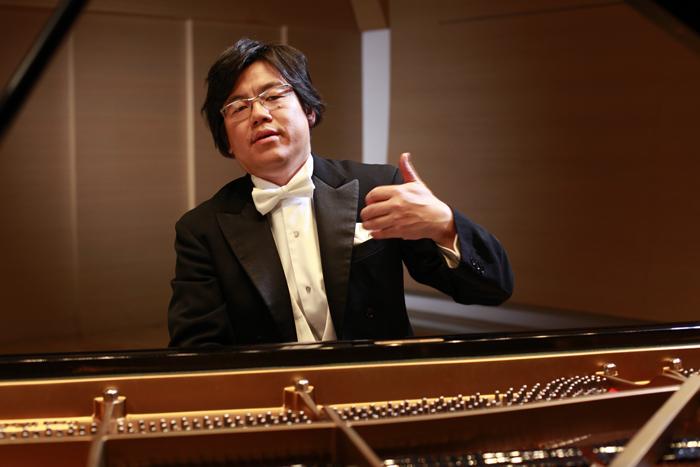 中川賢一(ピアノ)
