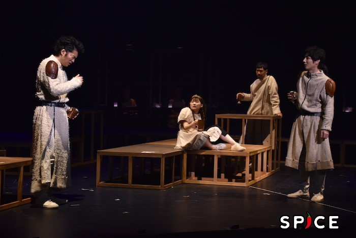『首切り王子と愚かな女』舞台写真