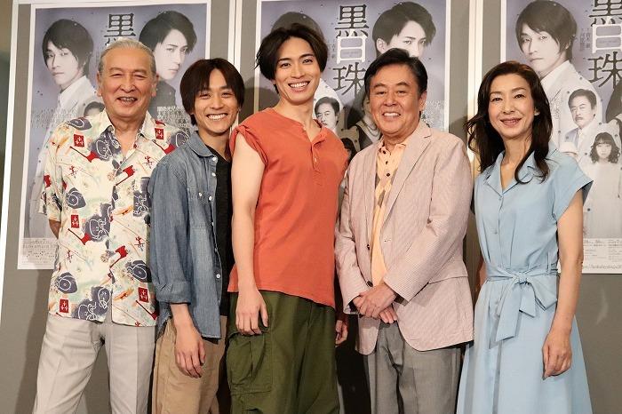 (左から)村井國夫、平間壮一、松下優也、風間杜夫、高橋惠子