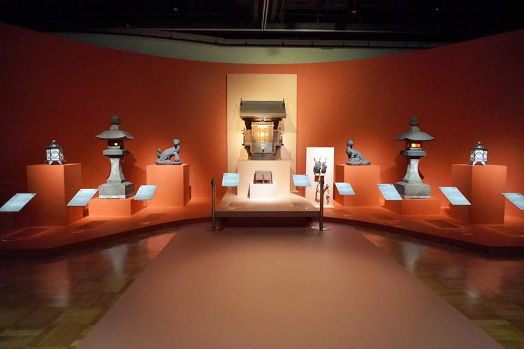 特別展『大江戸の華―武家の儀礼と商家の祭―』展示風景 第二章 年中行事―お稲荷さまと雛祭り―