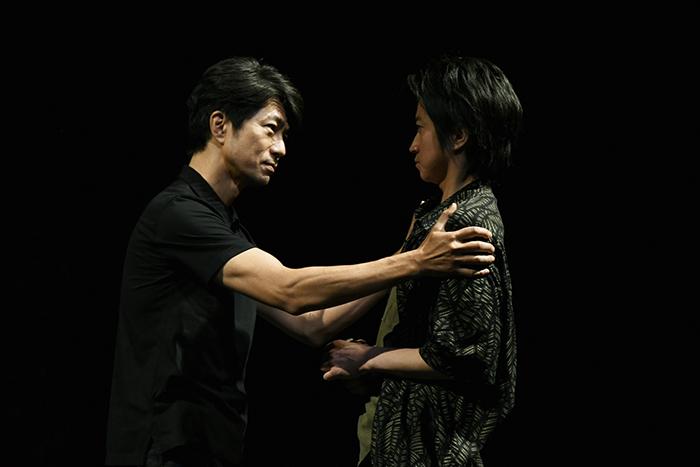 左から 仲村トオル、藤原竜也 【撮影:細野晋司】