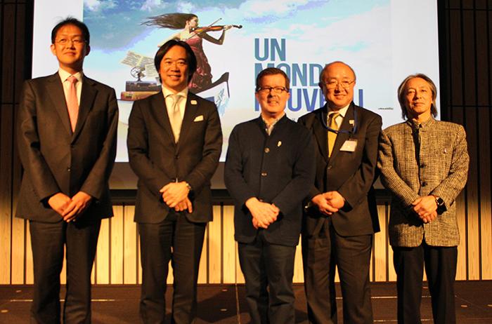 中央:アーティスティック・ディレクターのルネ・マルタン氏、右端:KAJIMOTO 梶本眞秀代表取締役社長