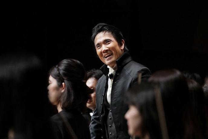 大阪クラシックのプロデューサーでもある大植英次の人気は依然として凄まじい! (C)飯島隆