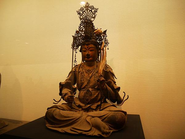 「文殊菩薩騎獅及び四侍者像」のうち「文殊菩薩坐像」(鎌倉時代・正安4(1302)年、西大寺)