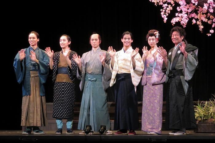 (左から)太田将熙、阿達慶、早乙女友貴、菅田琳寧、日比美思、ダンカン  撮影=こむらさき