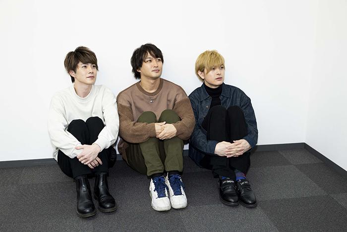 (左から)佐藤信長、鷲尾修斗、遊馬晃祐