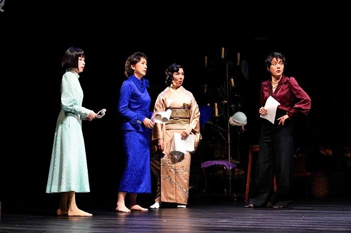 (右から) 鈴木 杏、那須佐代子、高橋惠子、趣里  撮影:細野晋司
