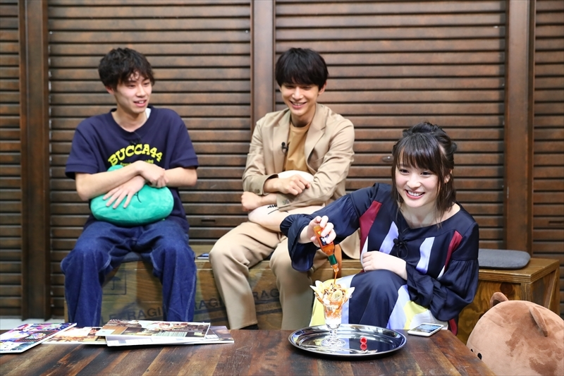 左から、戸塚純貴、吉沢亮、北乃きい