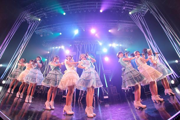 「東京パフォーマンスドール ダンスサミットネイキッドSP2016 ~R・G・B~」GREENステージの様子。(写真提供:EPICレコードジャパン)