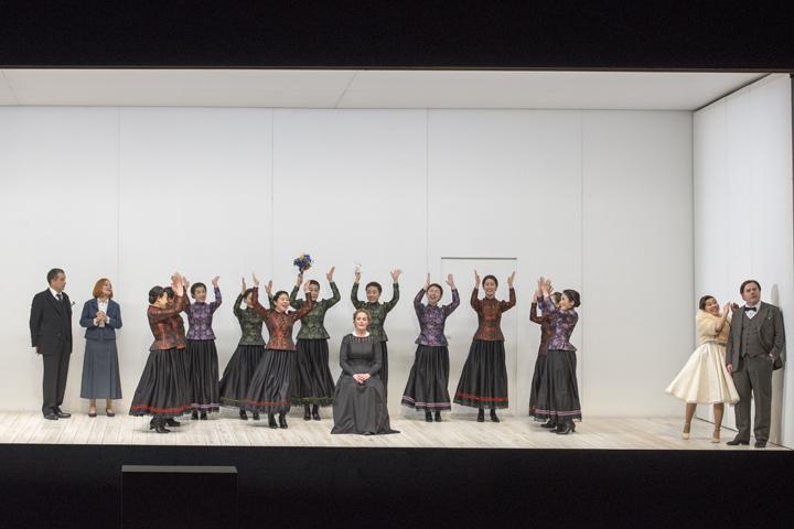 (撮影:寺司 正彦/提供:新国立劇場)