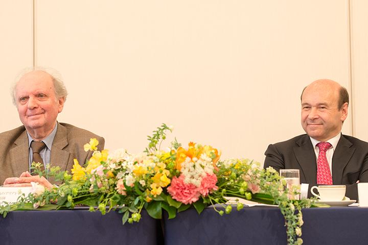 左:マレク・ヤノフスキ 右:ドミニク・マイヤー総裁 (Photo:M.Terashi/Tokyo MDE)
