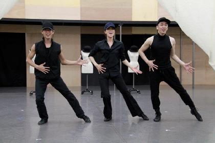新納慎也「北翔海莉さんがものすごいスピードで女性になっていく!」ミュージカル・コメディ『パジャマゲーム』公開稽古レポート