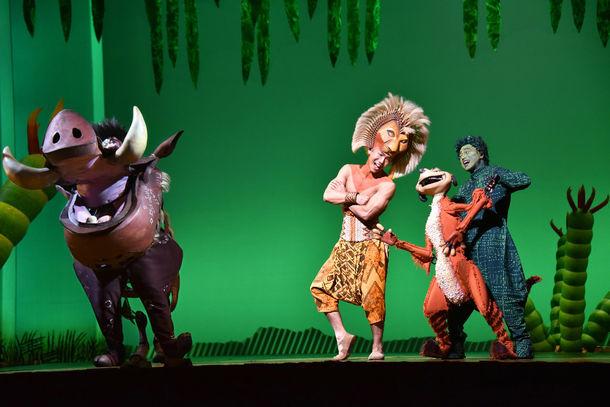 劇団四季 ミュージカル「ライオンキング」より。(c)Disney