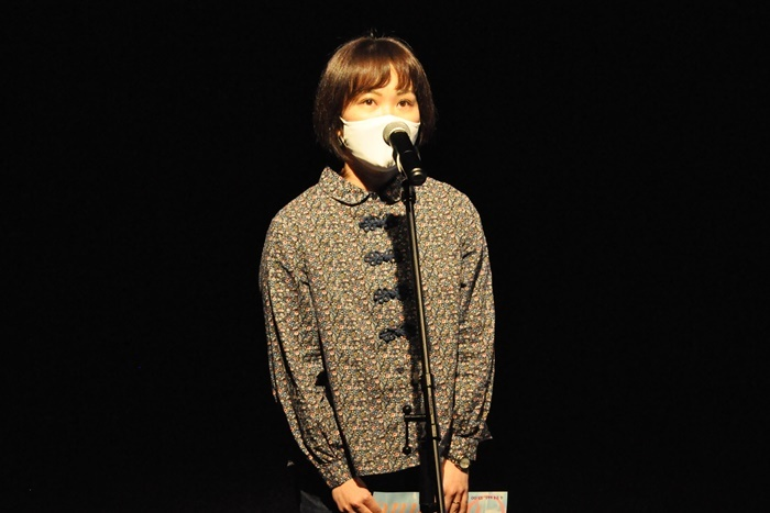 ショーケース企画『Continue』に参加する「鳥公園」の演出を務める和田ながら。他にも「NPO法人大阪現代舞台芸術協会(DIVE)」「正直者の会」「ドキドキぼーいず」が短編作品を上演する。