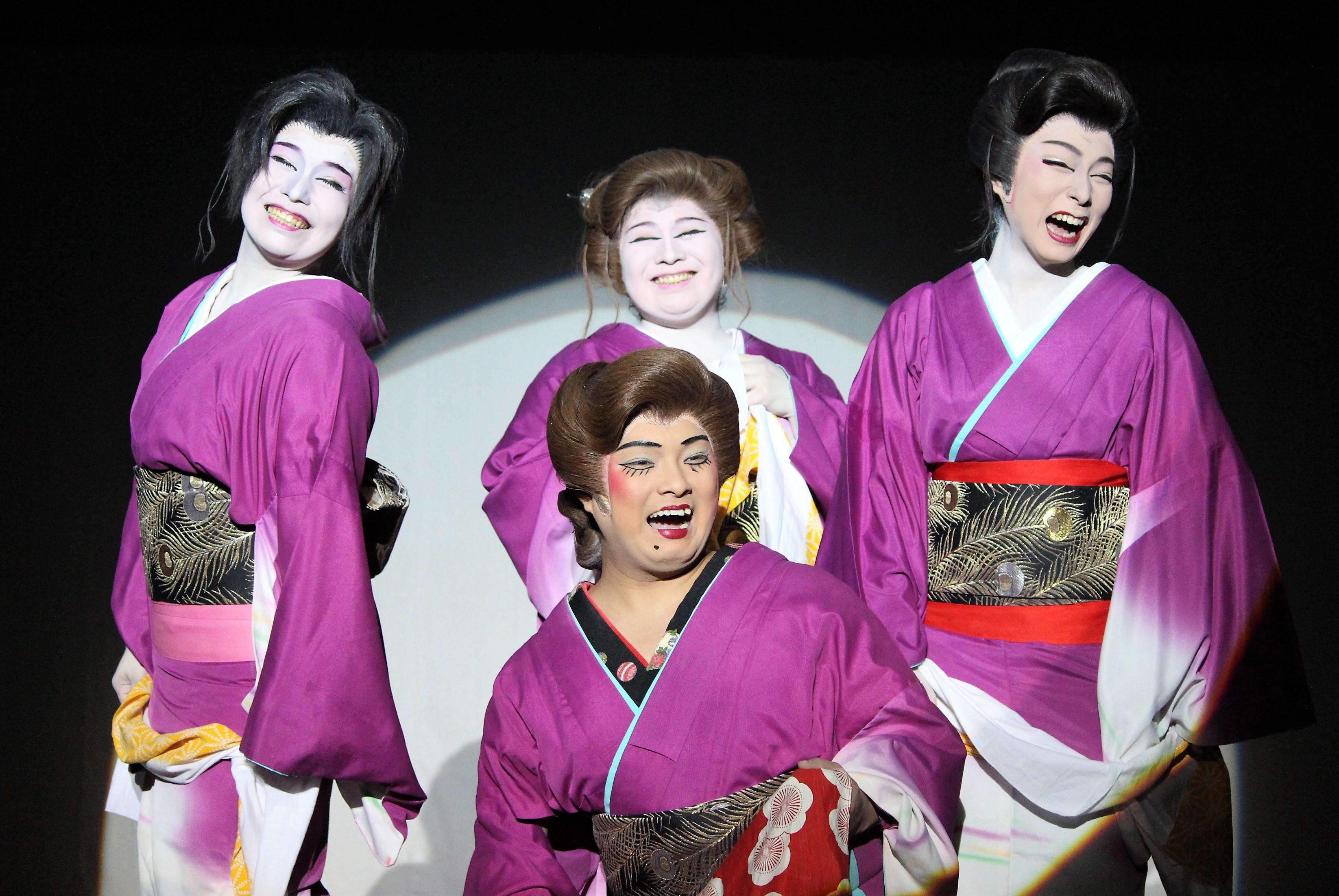 実力派ぞろいの女優陣。明るくパワフル! ※中央下は淺井春道(笑)