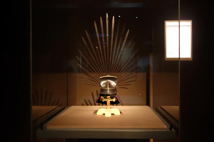 《一の谷馬藺兜》安土桃山~江戸時代・16~17世紀 東京国立博物館(通期展示)