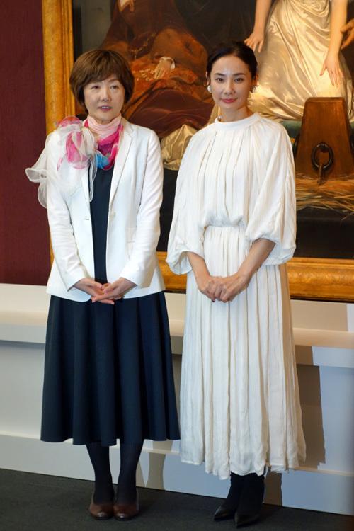 (左より)中野京子、吉田羊