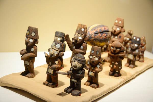 《木製の葬送行列のミニチュア模型》 チムー文化 ペルー文化省・モチェ神殿群博物館所蔵