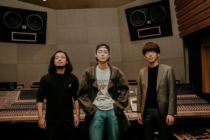 (左から)R-指定(Creepy Nuts)、菅田将暉、DJ松永(Creepy Nuts)