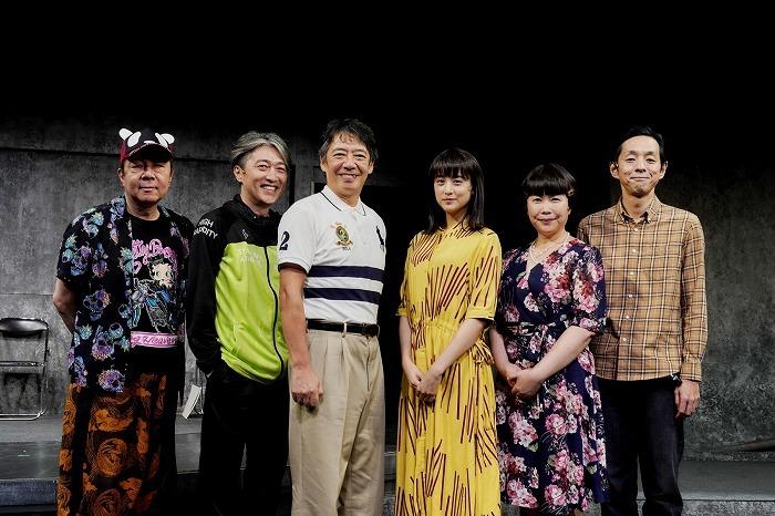 (左から)古田新太、池田成志、生瀬勝久、山本美月、池谷のぶえ、宮藤官九郎