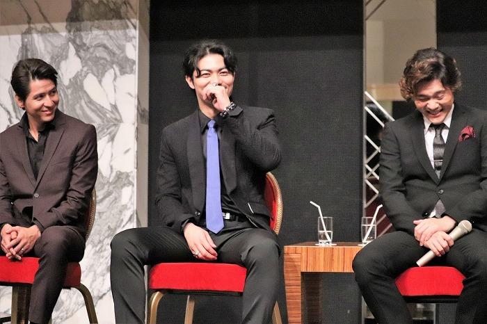 皆、斎藤さんのコメントを待っている雰囲気が……(笑)