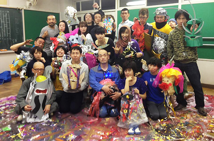 「風煉ダンス」とワークショップ参加者たち