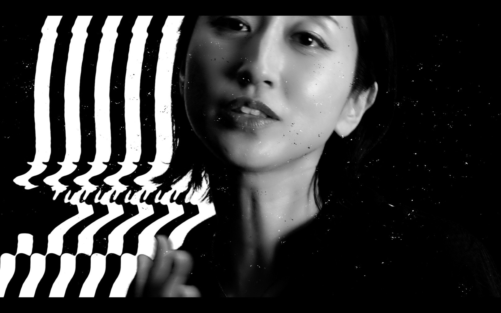 「Cold Kiss」ミュージックビデオより