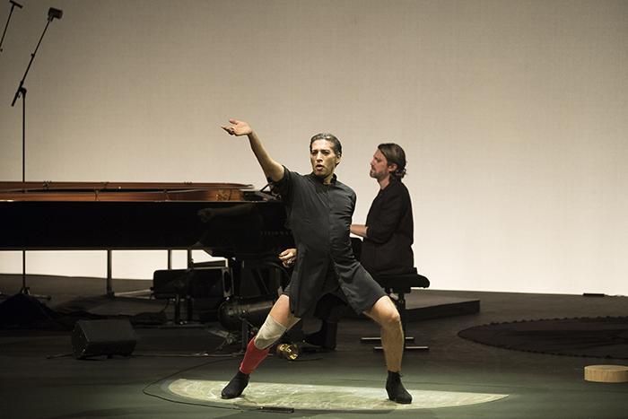 イスラエル・ガルバン『春の祭典』 (C)Jean Philippe 写真提供:Dance Base Yokohama