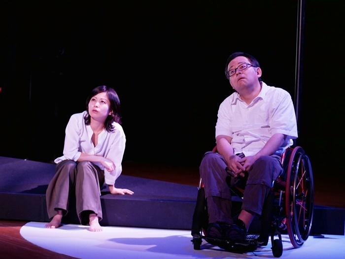 コンブリ団『「ムイカ」再び 西へ東へ』(2018年) [撮影]井上信治