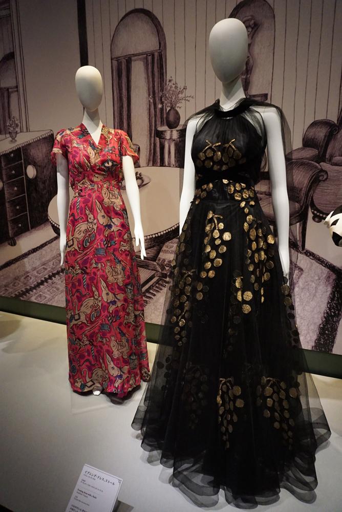 (右手前)マドレーヌ・ヴィオレ《イブニング・ドレス、ストール》 1938年 島根県立石見美術館所蔵