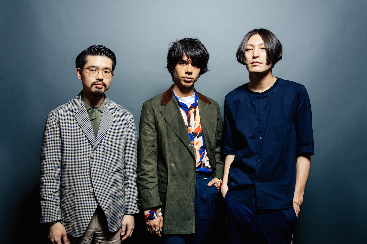 OKAMOTO'S(ハマ・オカモト、オカモトショウ)、ドレスコーズ・志磨遼平 撮影=上山陽介