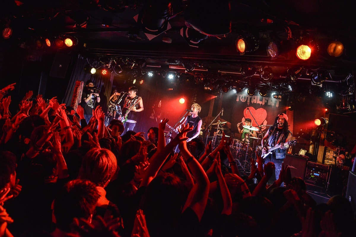 TOTALFAT Photo by Azusa Takada
