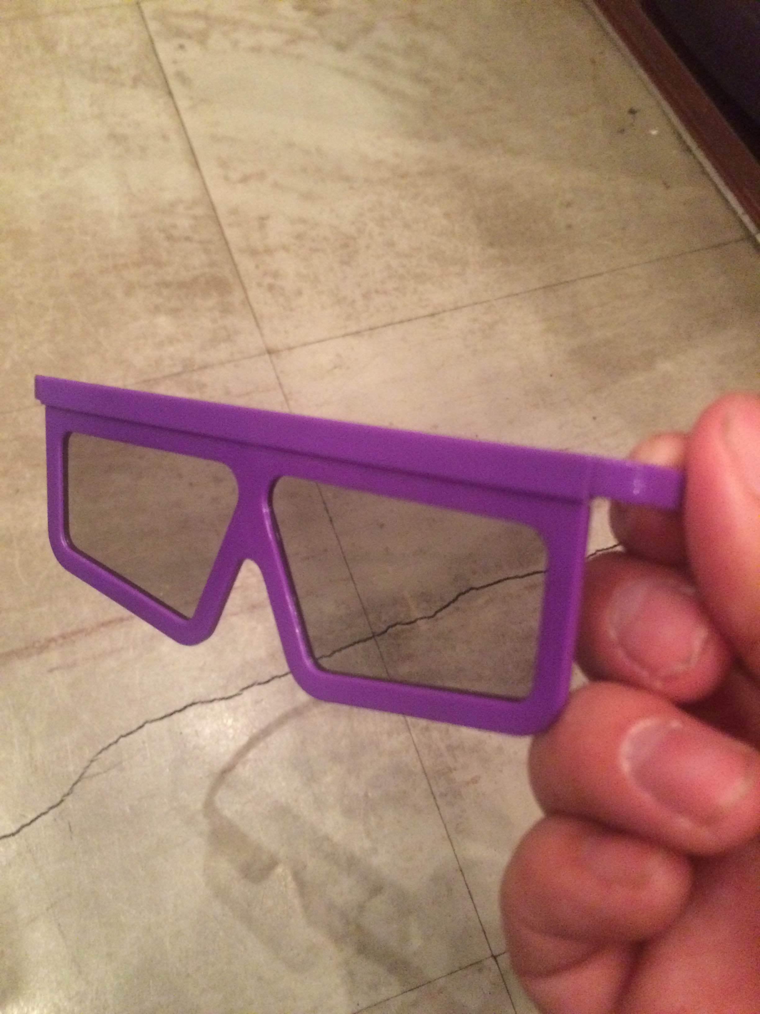 本番でもこのメガネを使用して舞台を鑑賞するとのこと