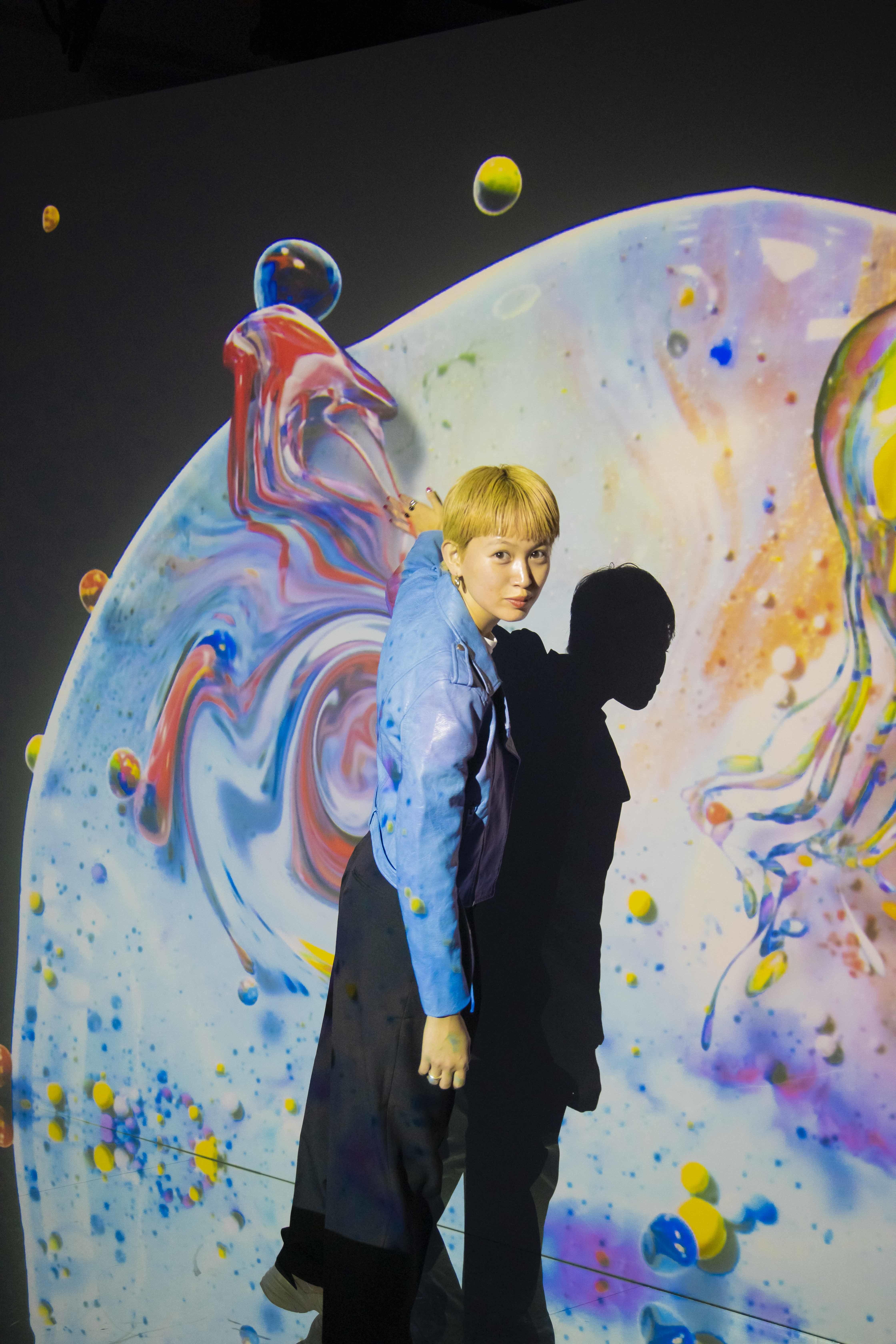 千裕さんのお気に入りは、フルイドアートが楽しめる<Fluid Wall>のエリア!