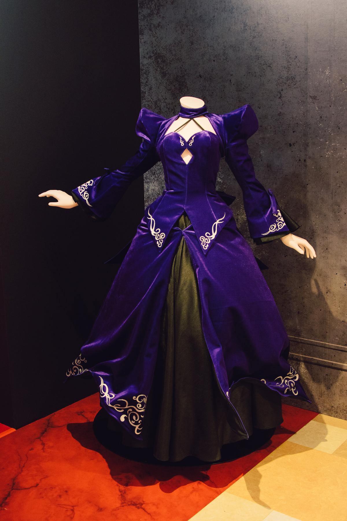 <セイバーオルタの等身ドレス>