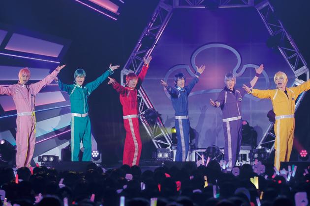 F6 1st LIVEツアー「Satisfaction」F6新衣装