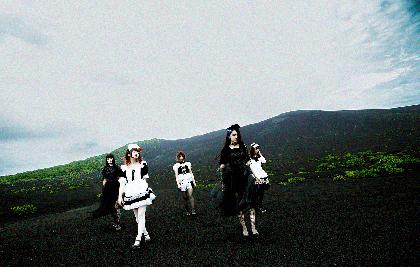 """BAND-MAID トニー・ヴィスコンティのプロデュース曲「The Dragon Cries」MVテーマは""""世界平和"""""""
