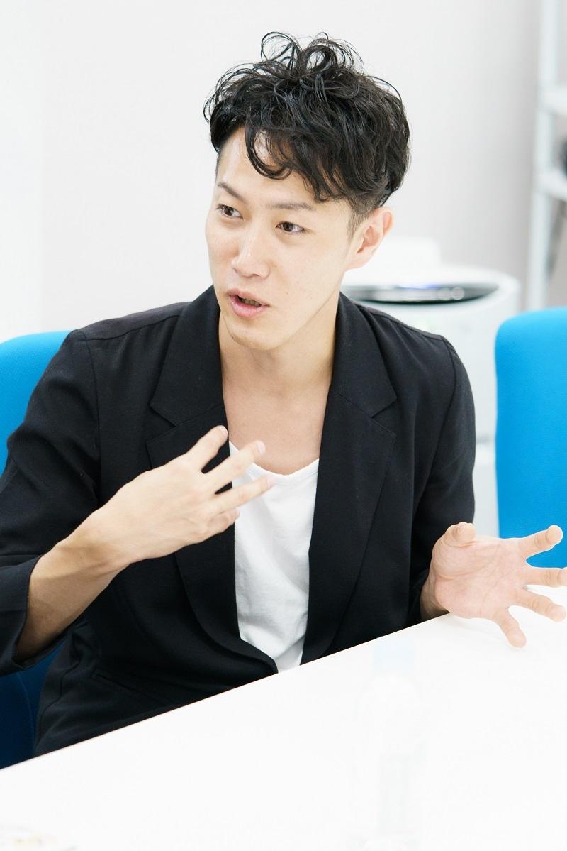テスラは泣かない。吉牟田直和 撮影=菊池貴裕
