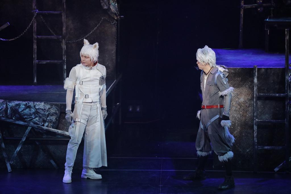 (C)高橋よしひろ/集英社・舞台「銀牙 -流れ星 銀-」