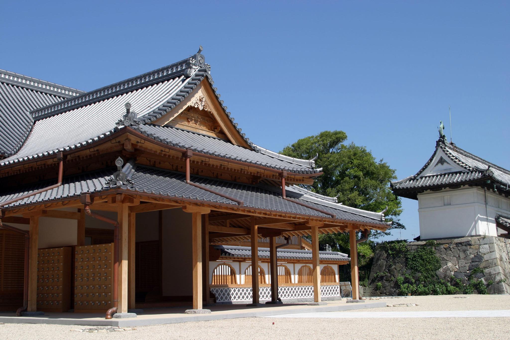 瓦が展示される佐賀城本丸歴史館
